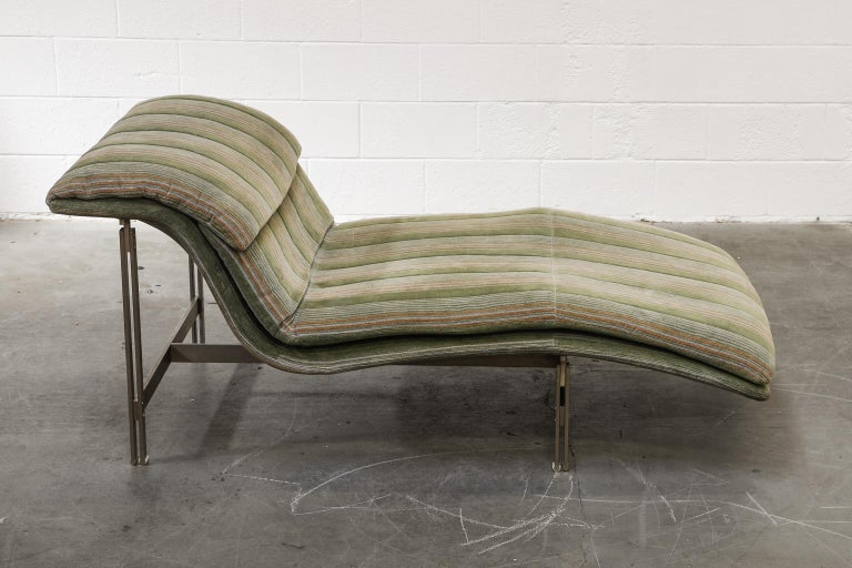 'Wave' Chaise Lounge by Giovanni Offredi for Saporiti Italia, circa 1980, Signed For Sale 2