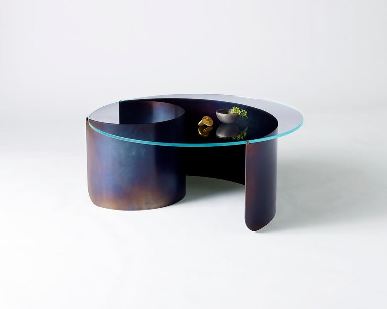 Wave Oval Coffee Table 2 in Contemporary Heat Tempered Steel and Starfire Glass In New Condition For Sale In Brooklyn, NY