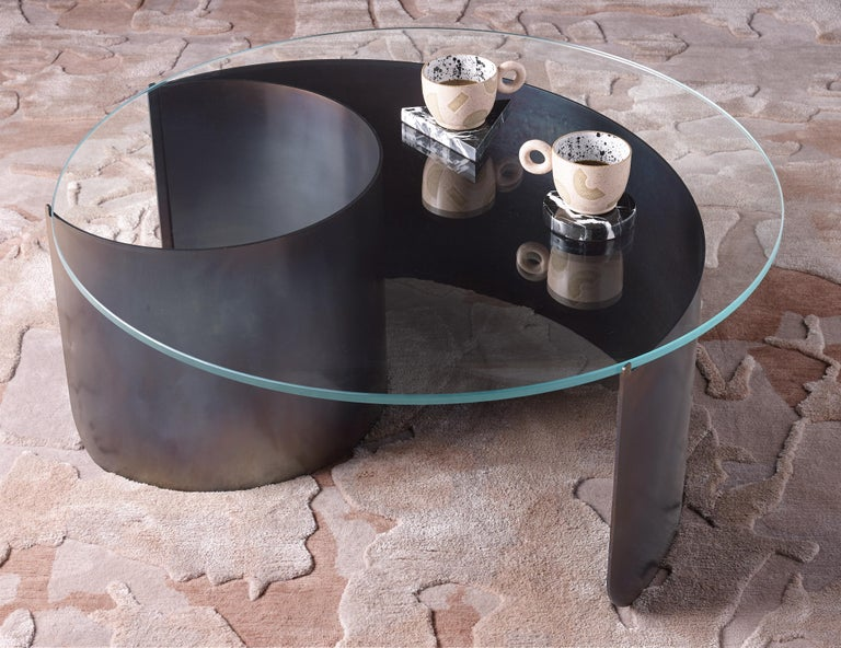 Modern Wave Coffee Table in Contemporary Heat Tempered Steel and Starfire Glass For Sale