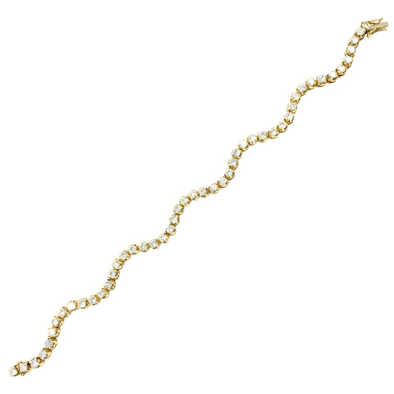 Wavy 18 Karat Yellow Gold 3.93 Carat Diamond Tennis Bracelet For Sale