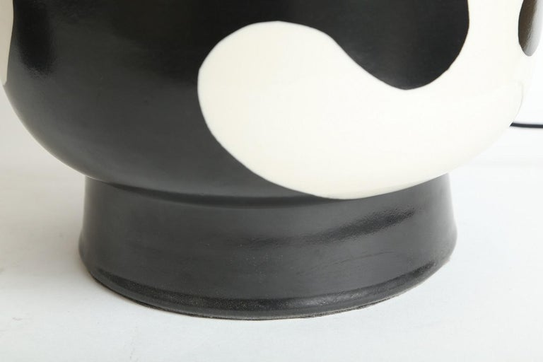 Waylande Gregory Black and White Lava Large Chuby Lamp In New Condition For Sale In Miami, FL