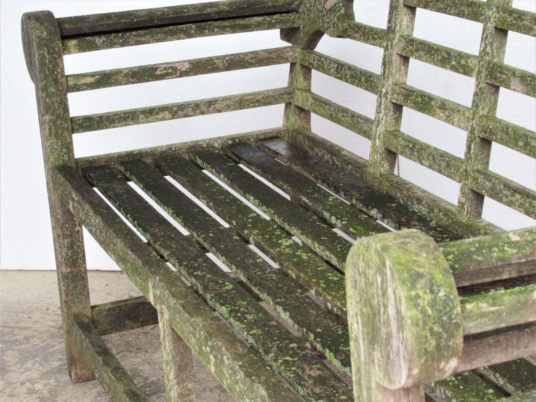 Weathered Teak Lutyens Style Garden Bench Encrusted with Algae Lichen For Sale 12