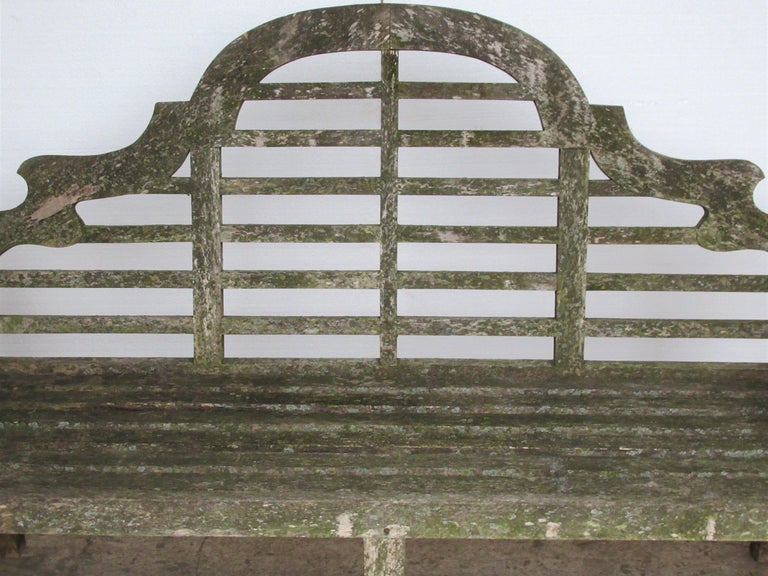 Weathered Teak Lutyens Style Garden Bench Encrusted with Algae Lichen For Sale 15