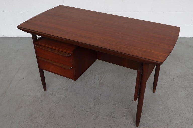 Wébé Style Teak Writing Desk In Good Condition For Sale In Los Angeles, CA
