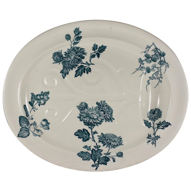 Wedgwood Aesthetic Movement Staffordshire Well and Tree Platter, 'Chrysanthemum'
