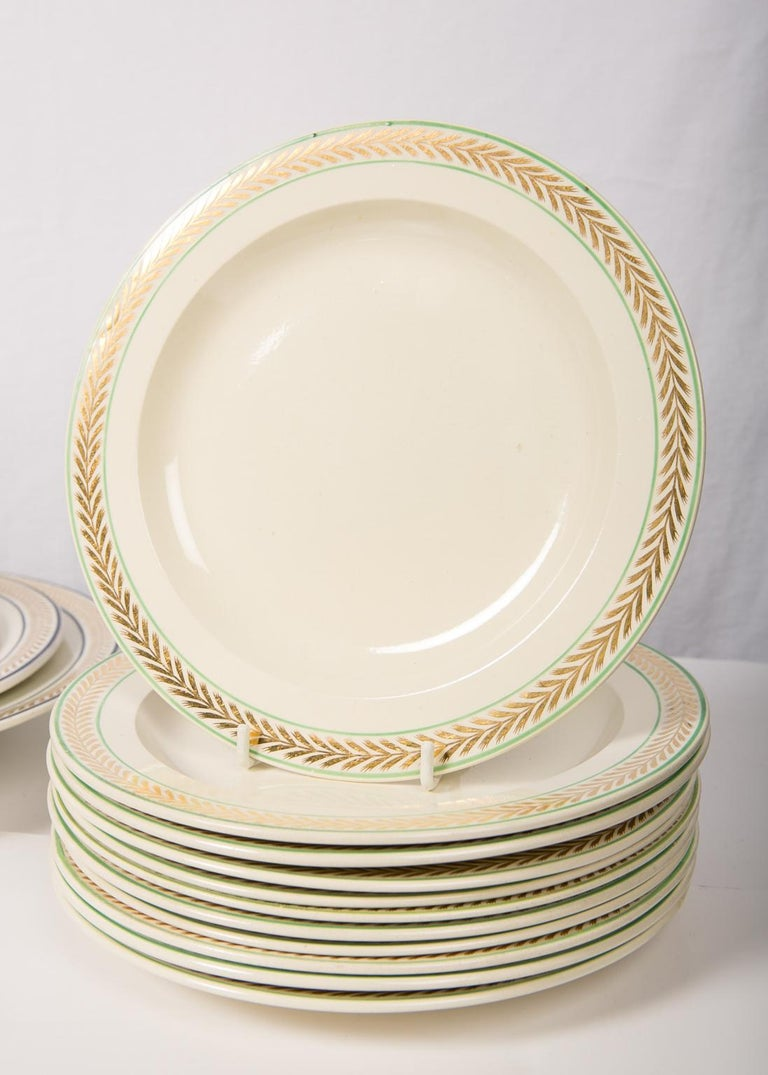 12 Wedgwood Creamware Dessert Dishes with Gilded Borders England circa 1820 For Sale 1