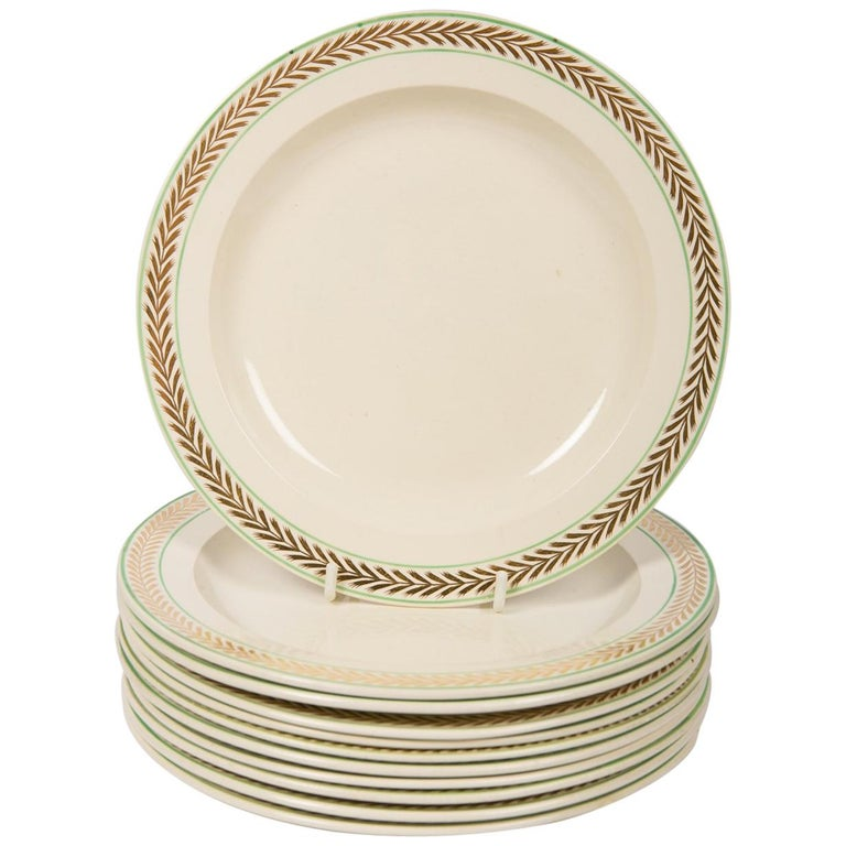 12 Wedgwood Creamware Dessert Dishes with Gilded Borders England circa 1820 For Sale