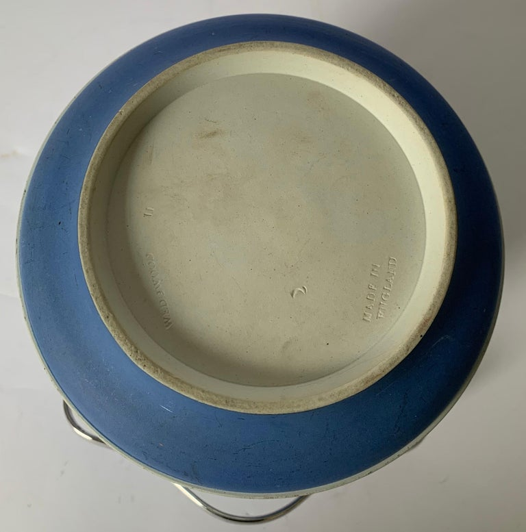 Wedgwood Light Blue Bell Shape Jasperware Biscuit Barrel For Sale 3