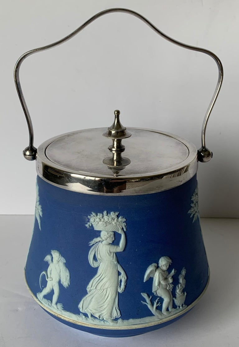 Wedgwood Light Blue Bell Shape Jasperware Biscuit Barrel In Good Condition For Sale In Stamford, CT