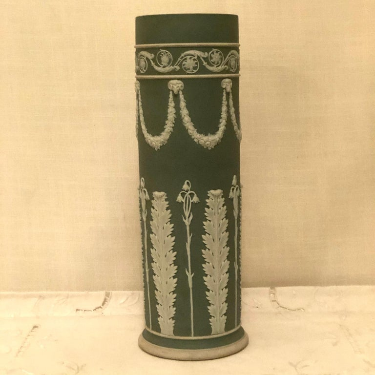 Wedgwood Tall Green Vase Decorated with Rams Heads and Lilies of the Valley For Sale 1