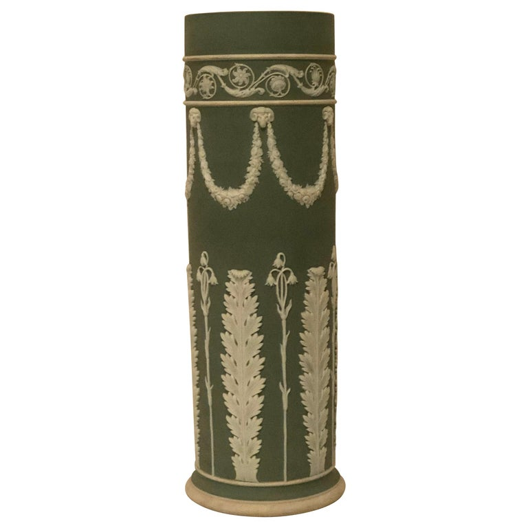 Wedgwood Tall Green Vase Decorated with Rams Heads and Lilies of the Valley For Sale