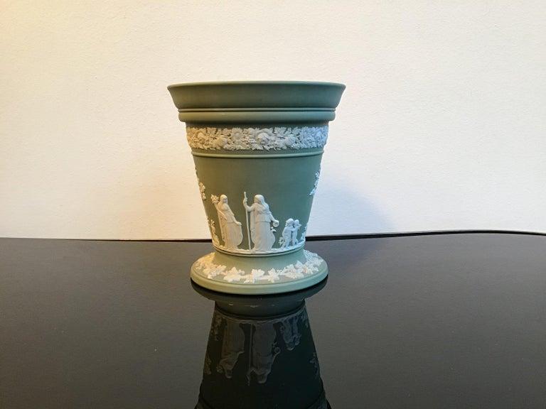 Wedgwood vase ceramic 1930 United Kingdom.