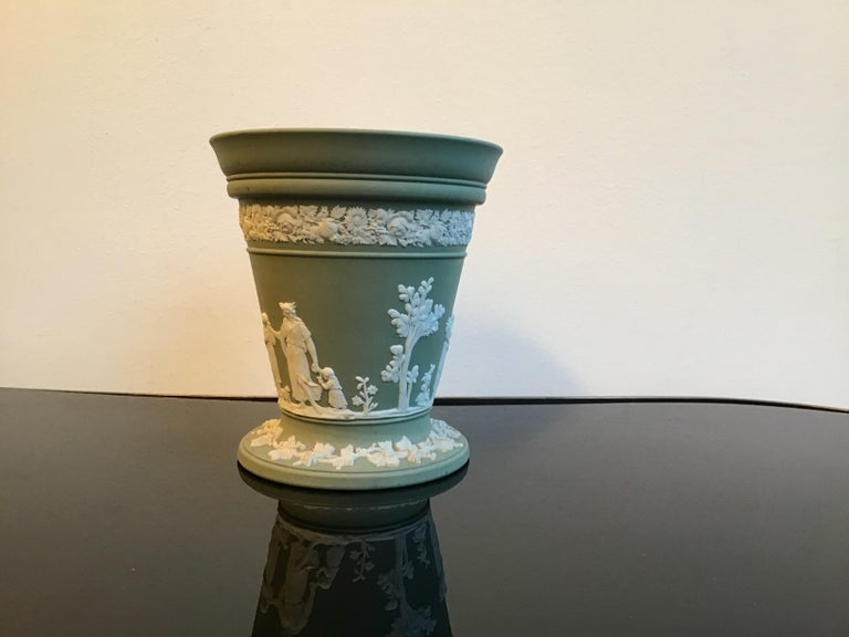 Wedgwood Vase Ceramic 1930 United Kingdom In Excellent Condition For Sale In Milano, IT