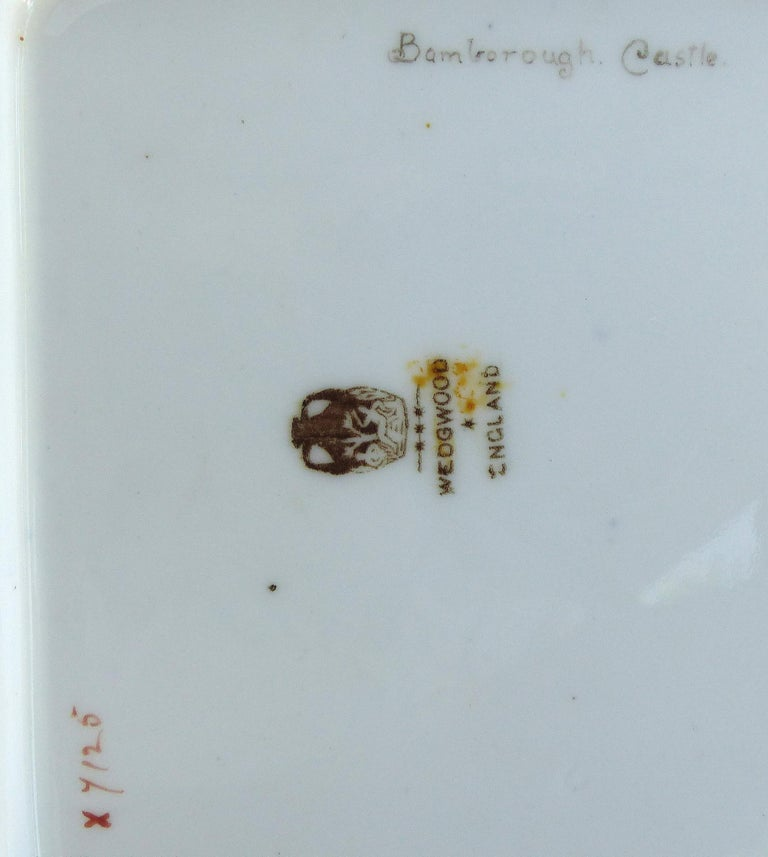Wedgwood 'England' Hand Painted Cabinet Plates Depicting UK Landmarks, 3 For Sale 4