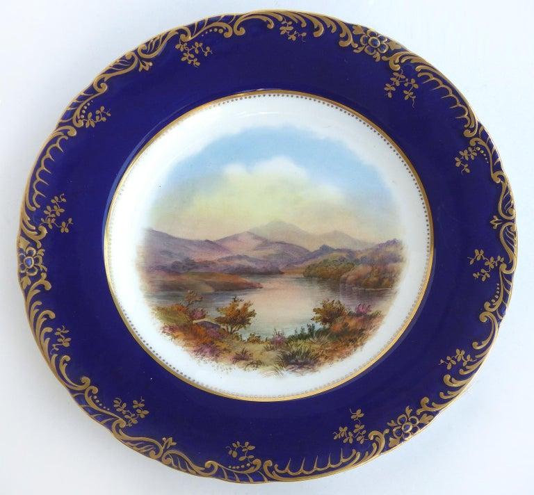 English Wedgwood 'England' Hand Painted Cabinet Plates Depicting UK Landmarks, 3 For Sale