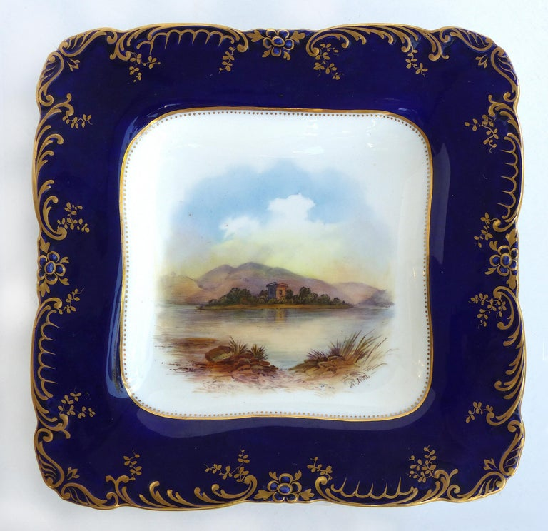 Hand-Painted Wedgwood 'England' Hand Painted Cabinet Plates Depicting UK Landmarks, 3 For Sale