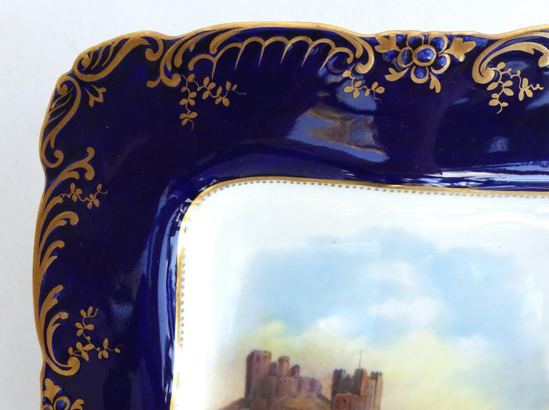 Wedgwood 'England' Hand Painted Cabinet Plates Depicting UK Landmarks, 3 In Good Condition For Sale In Miami, FL