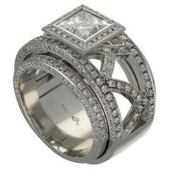 Weggenmann 'Euphoria' Platinum Diamonds Cocktail Ring