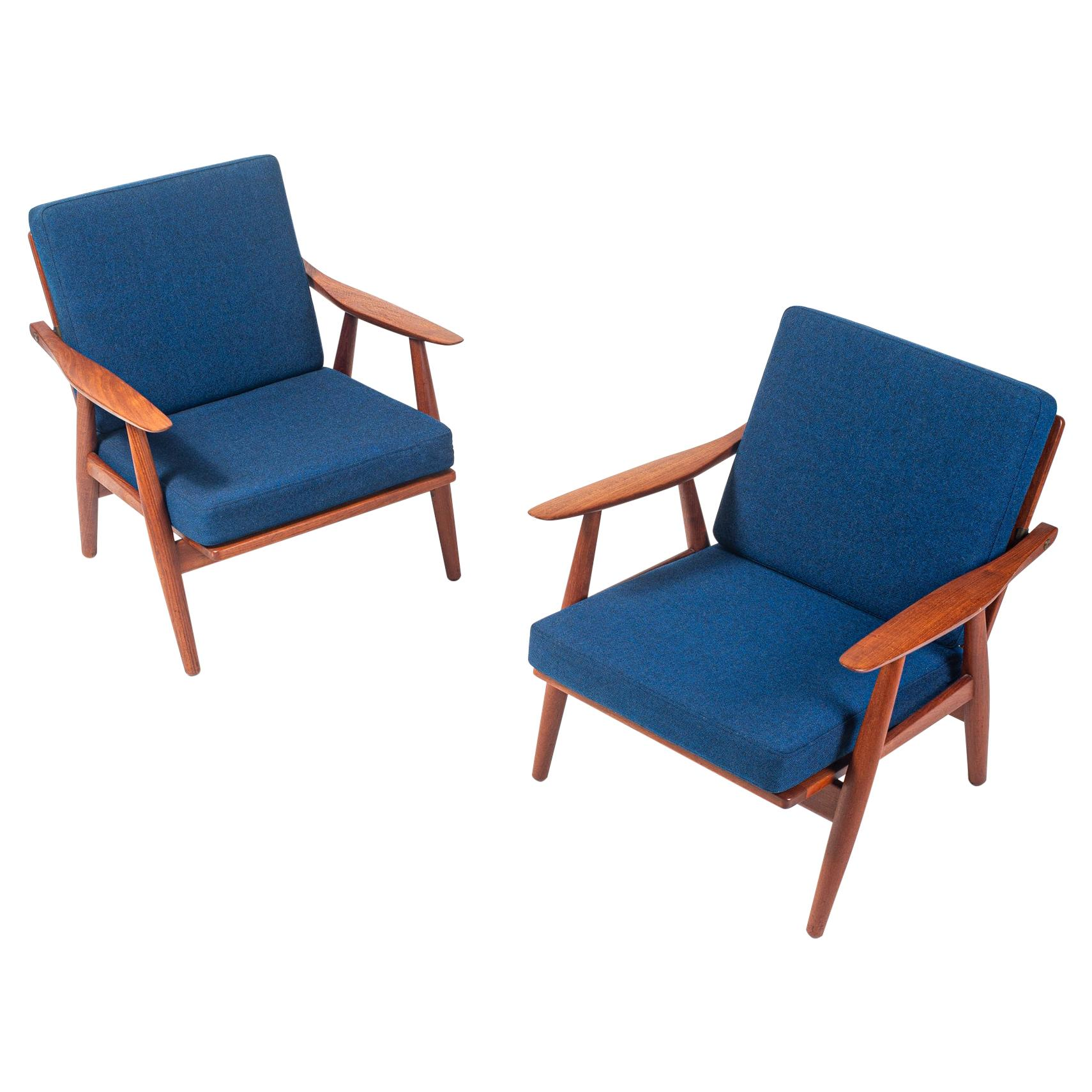 Wegner GE-270 Lounge Chairs