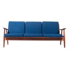 Wegner GE-270 Three Seater Sofa