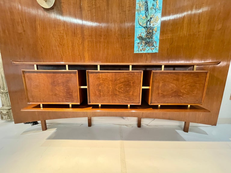 Weiss & Basser Curved Wall with Floating Sideboard For Sale 3