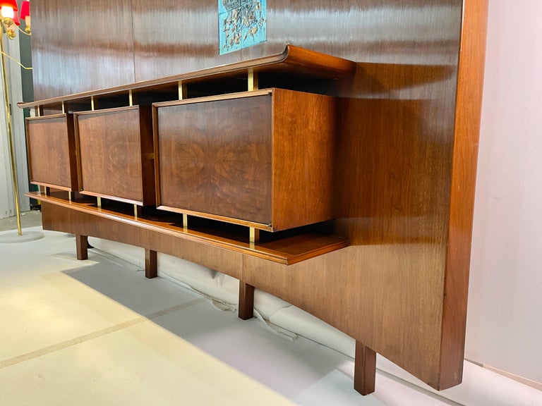 Weiss & Basser Curved Wall with Floating Sideboard For Sale 7