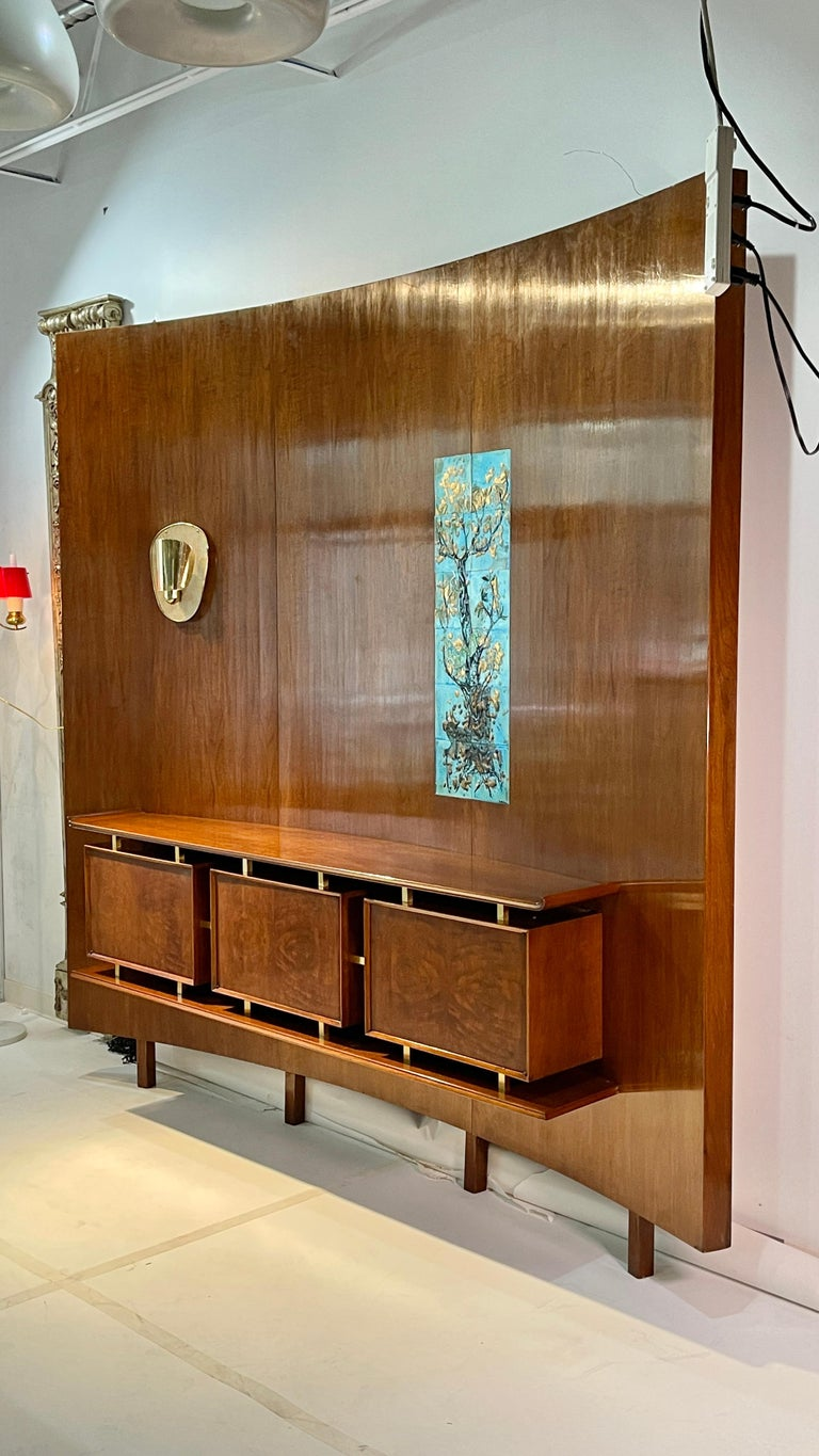 Weiss & Basser Curved Wall with Floating Sideboard For Sale 1