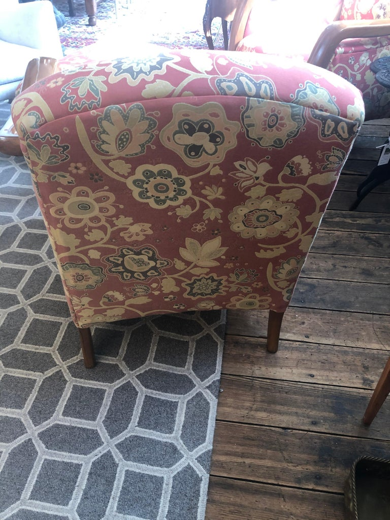 Welcoming Set of Classy Art Deco Club Chairs and Matching Ottoman For Sale 4