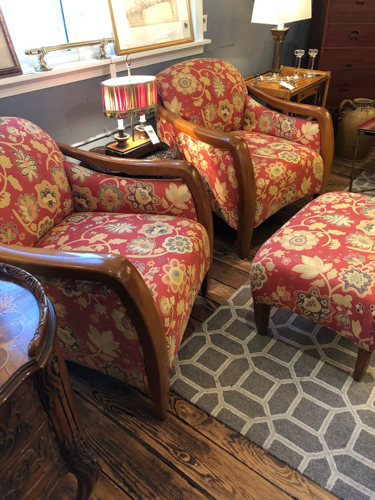 American Welcoming Set of Classy Art Deco Club Chairs and Matching Ottoman For Sale