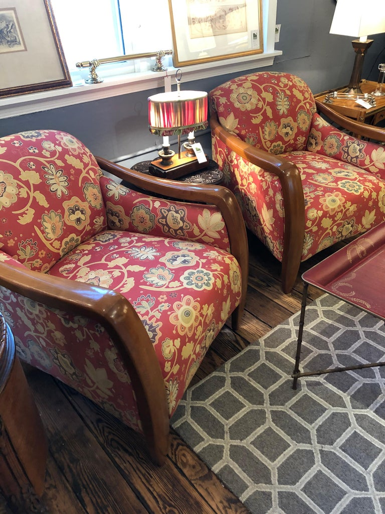 Welcoming Set of Classy Art Deco Club Chairs and Matching Ottoman In Good Condition For Sale In Hopewell, NJ