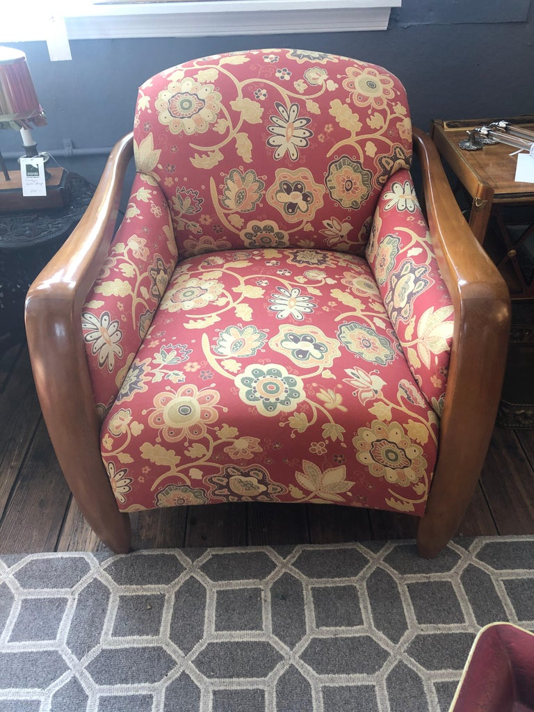 Welcoming Set of Classy Art Deco Club Chairs and Matching Ottoman For Sale 1