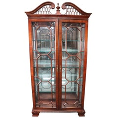 Wellington Hall Mahogany Chippendale Lighted China Cabinet Vitrine