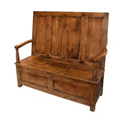 Welsh Pine Settle, circa 1810