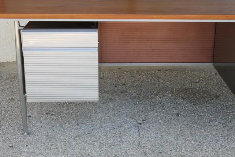 Welton Becket Aluminum and Wood Desk for Kaiser Aluminum For Sale 4