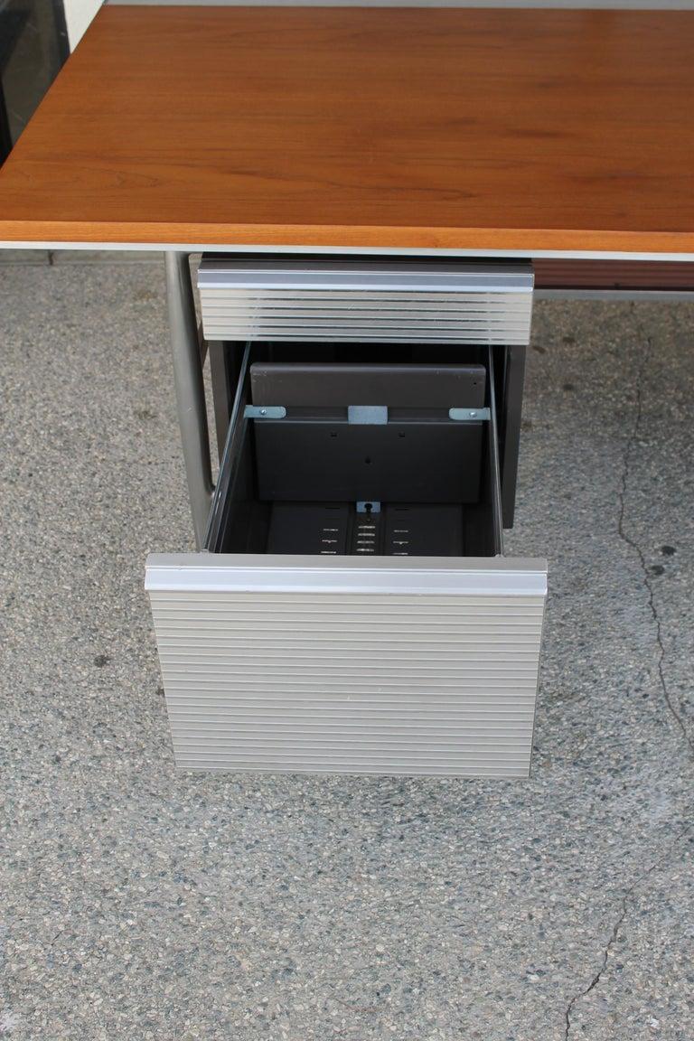 Welton Becket Aluminum and Wood Desk for Kaiser Aluminum For Sale 5