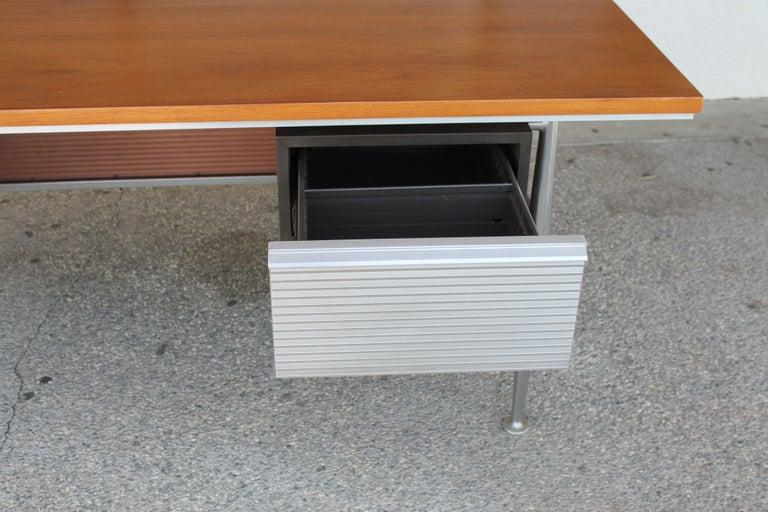 Welton Becket Aluminum and Wood Desk for Kaiser Aluminum For Sale 6