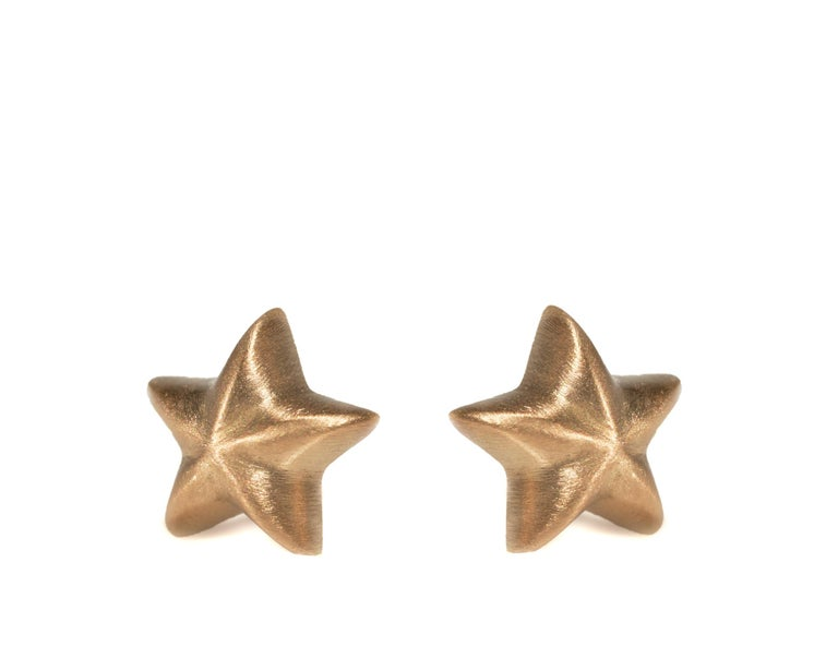 Contemporary Wendy Brandes 18K Yellow Gold Star Stud Earrings For Sale