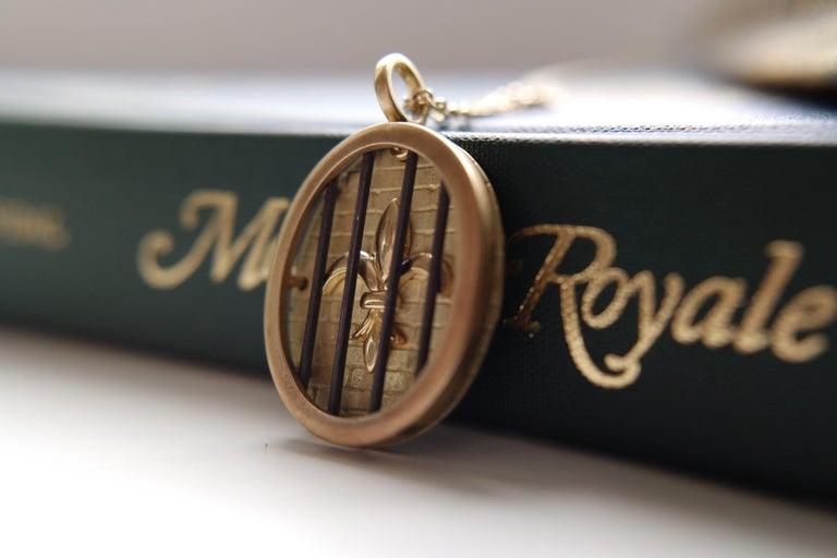 Wendy Brandes Fleur-de-Lis Yellow Gold Oval Pendant Necklace With Silver Details For Sale 2