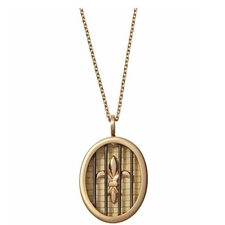 Wendy Brandes Fleur-de-Lis Yellow Gold Oval Pendant Necklace With Silver Details For Sale