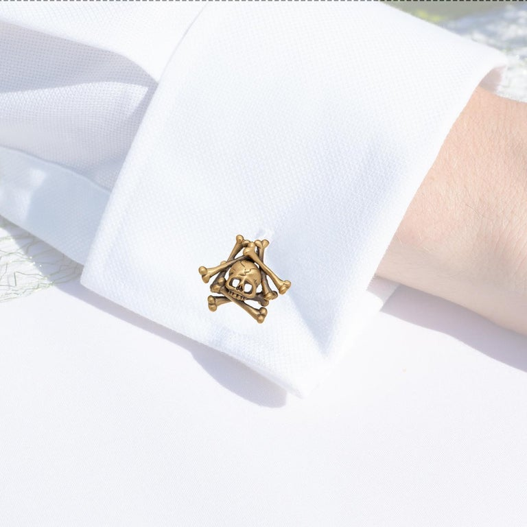 Wendy Brandes Limited-Edition Memento Mori Skull and Bones Solid Gold Cufflinks For Sale 2