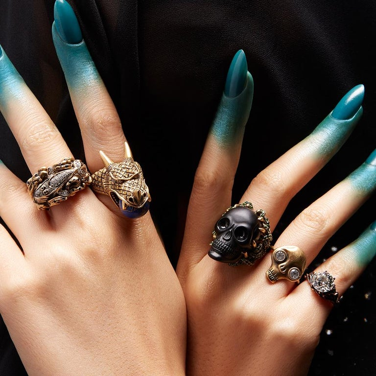 Wendy Brandes Onyx and Green Garnet Skull Ring For Sale 1