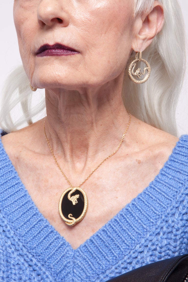 Contemporary Wendy Brandes Onyx and Yellow Gold Snake Pendant Necklace For Sale