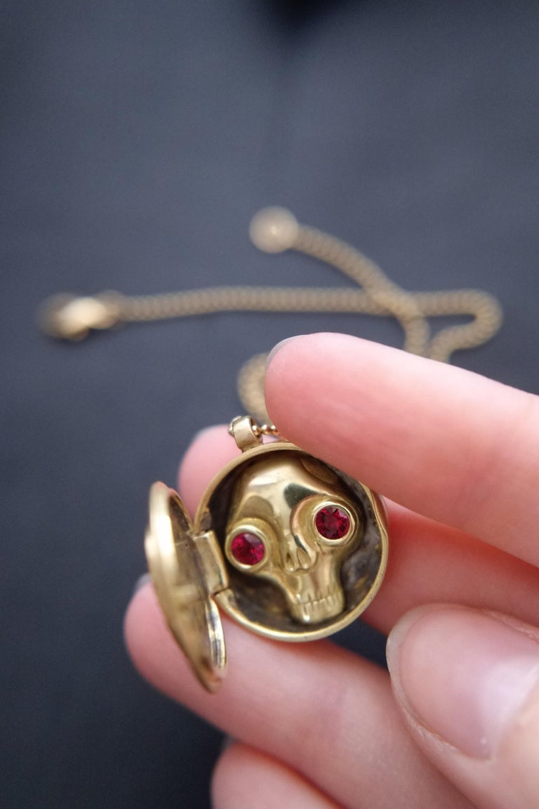 Wendy Brandes Ruby Heart Locket/Mechanical Memento Mori Skull Gold Necklace In New Condition For Sale In New York, NY