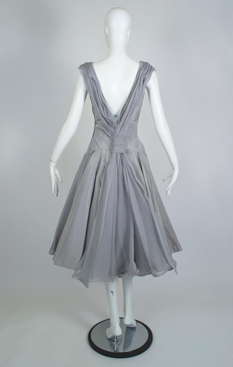 Werlé Beverly Hills Dove Gray Bib-Front Ballerina Dress - Medium, 1950s In Good Condition For Sale In Tucson, AZ