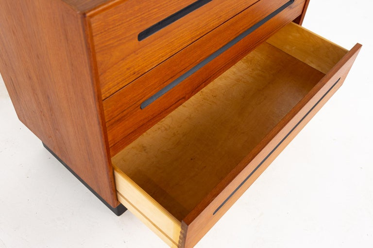 Westnofa Mid Century Teak 3 Drawer Dresser Chest - Pair For Sale 6