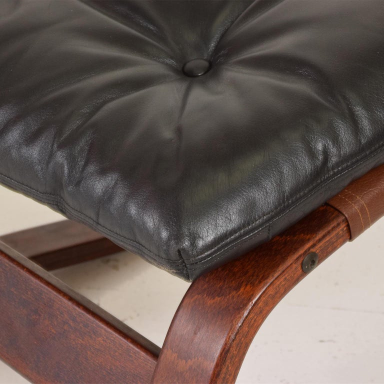 Leather Westnofa Siesta Chair by Ingmar Relling Bent Plywood Lounge Chair and Ottoman For Sale