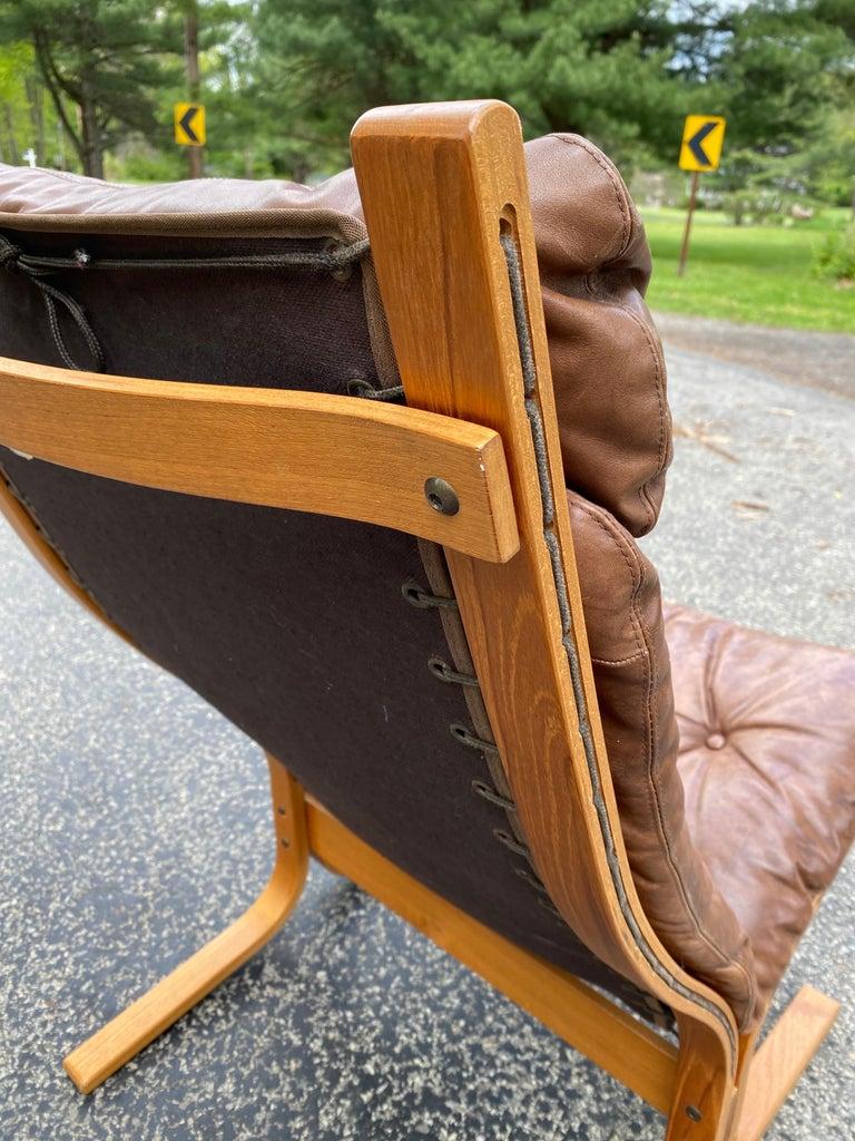 Norwegian Westnofa Siesta Norway Leather Lounge Chair designed by Ingmar Relling For Sale