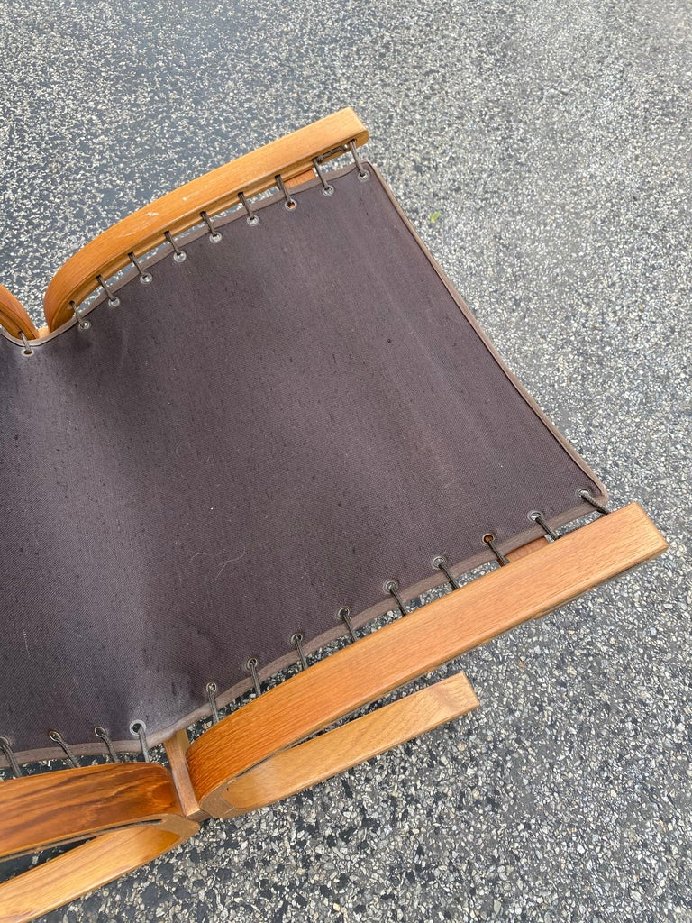Westnofa Siesta Norway Leather Lounge Chair designed by Ingmar Relling In Good Condition For Sale In Philadelphia, PA