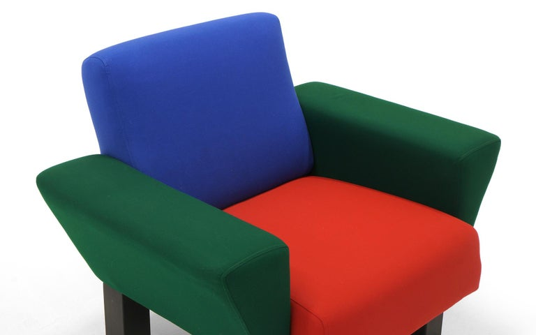 Post-Modern Westside Lounge Chair by Ettore Sottsass for Knoll, 1983, Expertly Reupholstered For Sale