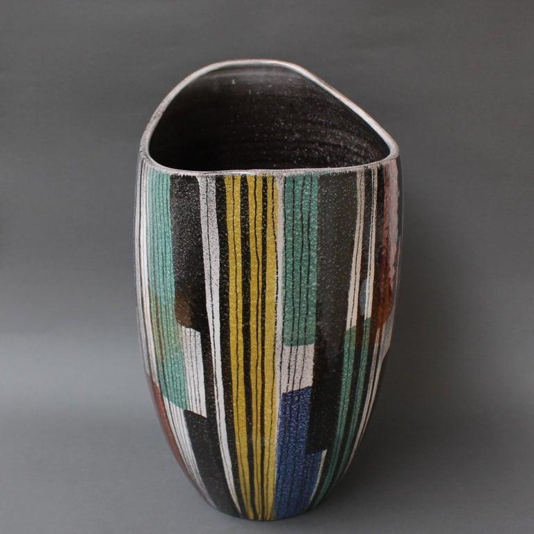 Very Large Midcentury Italian Ceramic Vase, circa 1950s For Sale 5